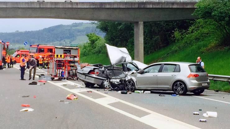 Zum Unfall mit drei beteiligten Autos kam es auf dem Autobahnzubringer A1.1