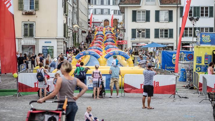 Slide my City 2019: Wasserrutschbahn am Kronenstutz in Solothurn