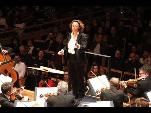 """Nathalie Stutzmann dirigiert 2016 das OSESP Orquestra Sinfônica do Estado de São Paulo (Schubert - Symphony No. 4 """"Tragic"""")"""