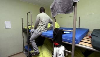 Schlafraum der Asylunterkunft. Plätze werden Mangelware.