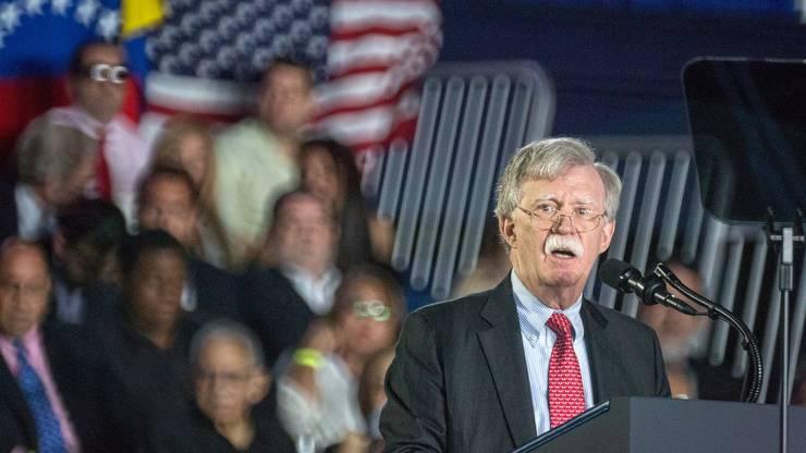 John Bolton hat angekündigt, Trump nicht wiederzuwählen. Joe Biden will er seine Stimme aber auch nicht geben.