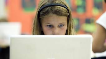 Apple-Laptops sind bei Schülern und Lehrern populär – in der Baselbieter Bildungsdirektion fallen sie durch.