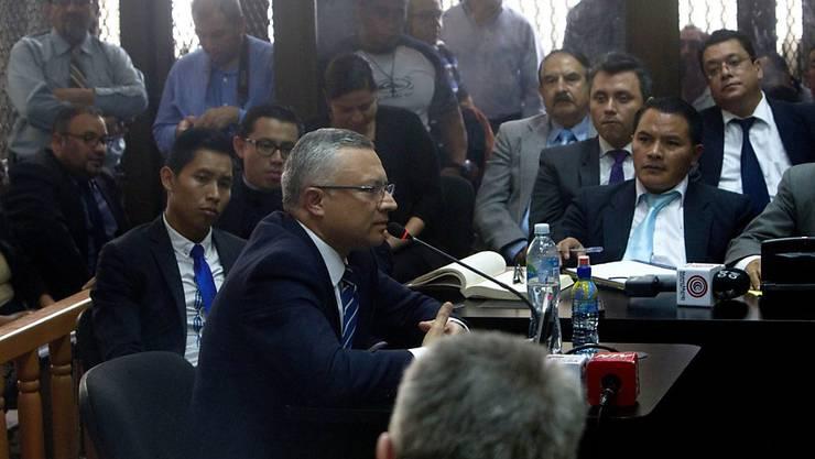 """""""Der Verteiler"""": Unternehmer Salvador Estuardo Gonzalez belastet Guatemalas Ex-Präsidenten schwer"""