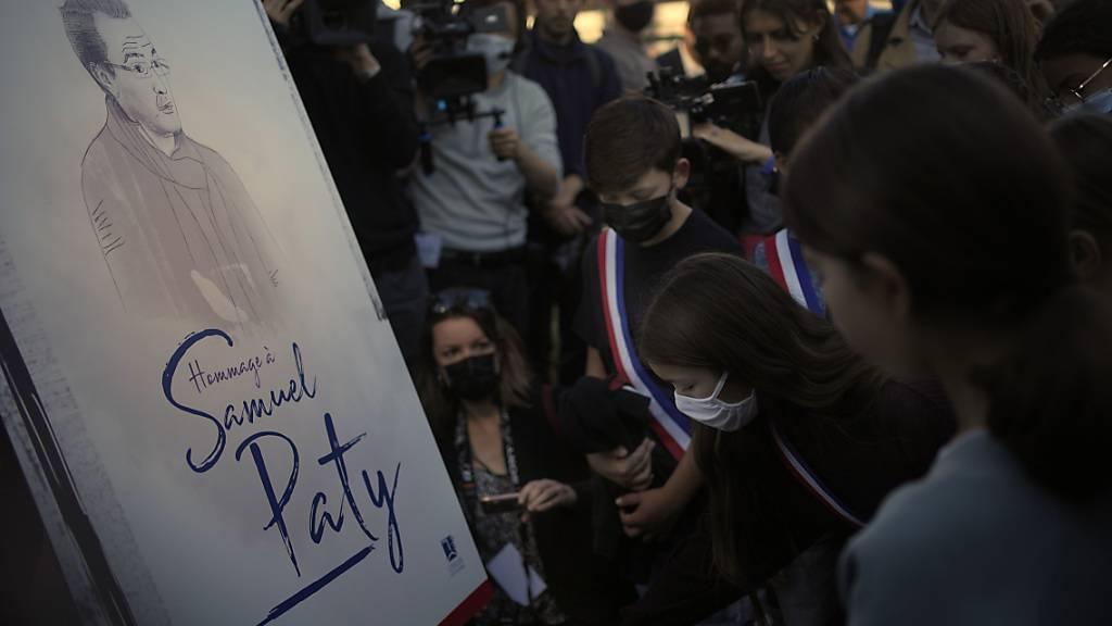Frankreich gedenkt des von Islamisten ermordeten Lehrers Samuel Paty