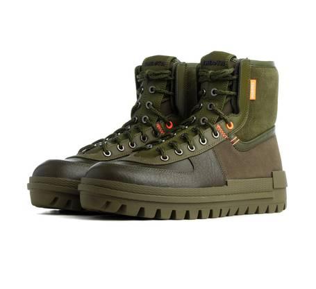 Vom Wandern direkt in den Ausgang mit Sneaker Xarr von Nike ( mytheresa.com , circa 150 Franken).