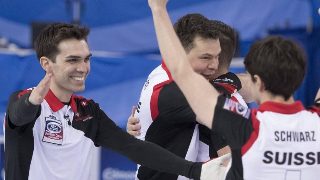 Auch in St. Gallen wollen die Genfer Curler gross aufspielen. Links: Skip Peter De Cruz