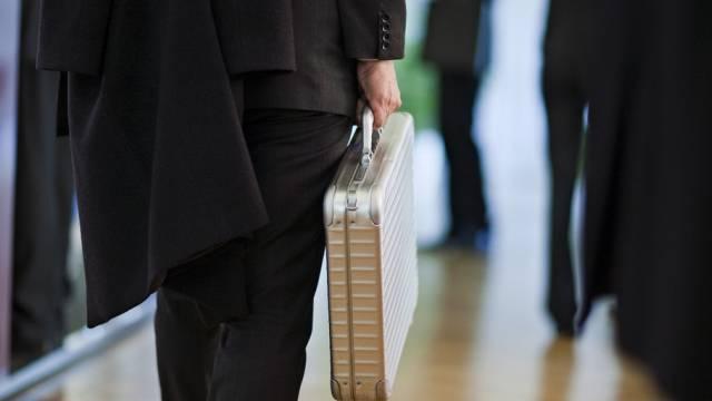 Einige Konzerne bezahlen mehr Chefsaläre als Steuern (Symbolbild)