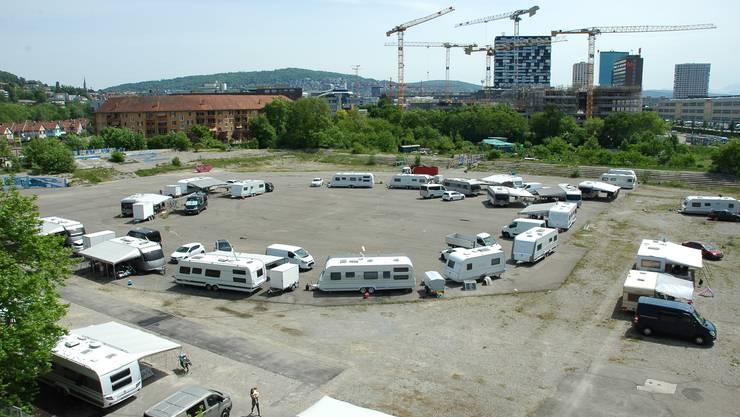 Mit 30 Wohnwagen halten Jenische das Hardturmareal besetzt