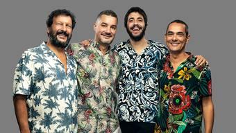 Der portugiesische Sänger Salvador Sobral (zweiter von rechts) mit den Mitmusikern der Band Alma Nuestra.