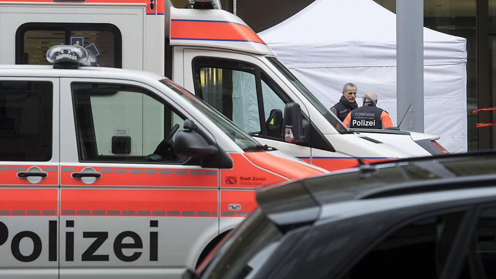 Beziehungsdelikt in der Zürcher Europaallee: Ein 38-jähriger Mann erschiesst eine 35-jährige Frau, die bei der UBS angestellt war.