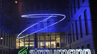 Dank der Entlassung von 110 Mitarbeitenden hofft Straumann auf jährliche Einsparungen von 25 Millionen.