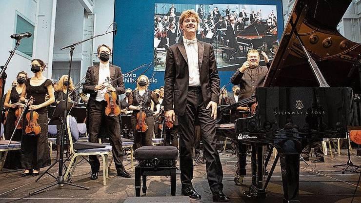 Zur Saisoneröffnung und zum Amtsantritt von Rune Bergmann (vorne Jan Lisiecki) gab es noch Grund zur Freude.