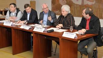 Podium v.l.n.r.: Jürg Richner, Martin Keller, Podiumsleiter Hans Fahrländer, Peter Marti und Jürg Caflisch. (Alex Spichale)