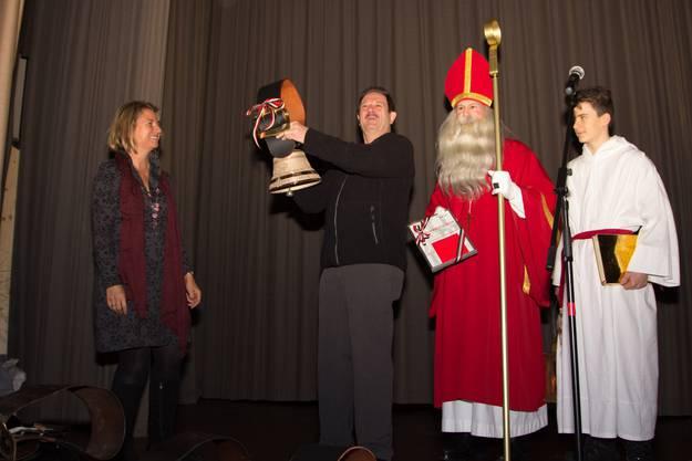 St. Nikolaus darf sich in Wohlen über den Kulturpreis freuen. Für den Chlausvater Röfe Wüst gibt es eine Chlausglocke.