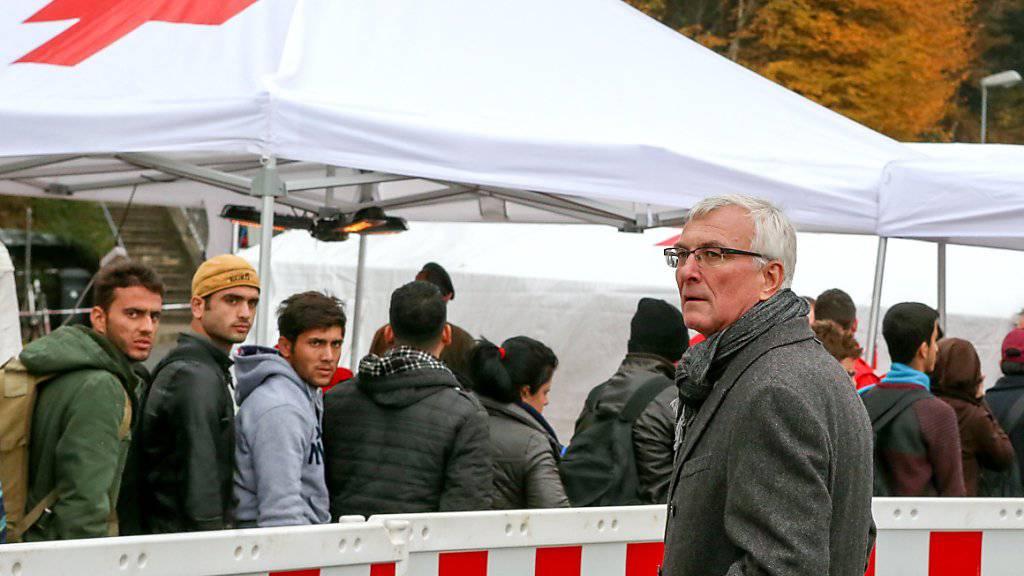 Flüchtlinge am Grenzübergang zwischen Österreich und Bayern