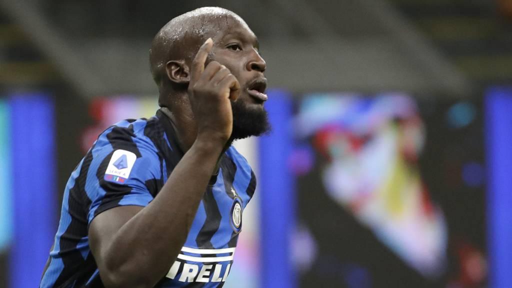Romelu Lukaku freut sich hier über sein 3:0 für Inter in Benevento. Er hatte auch schon in der ersten Minute getroffen