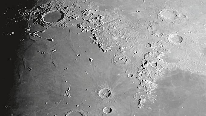 Das Meer Imbrium auf dem Mond.