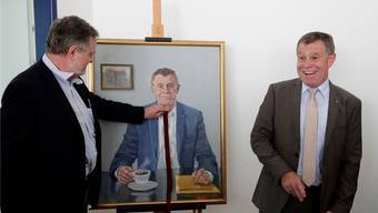 Mit oder ohne Krawatte?Eine Frage, die den Künstler Robert Honegger bei der Gestaltung des Porträts von Finanzdirektor Ernst Stocker (SVP) beschäftigte. Moritz Hager
