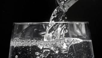 Das Trinkwasser von Liestal und weiteren Gemeinden ist mit Kolibakterien belastet. (Symbolbild)
