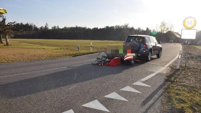 Die Unfallstelle, an der es gestern zu einem Unfall zwischen einem Auto und einem E-Bike-Lenker kam.