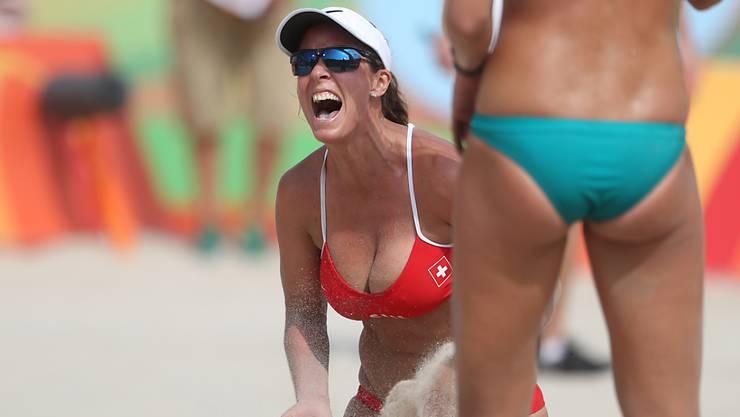 Auch die Schweizer Beachvolleyballerinnen setzen bei den Olympischen Spielen auf viel Haut.