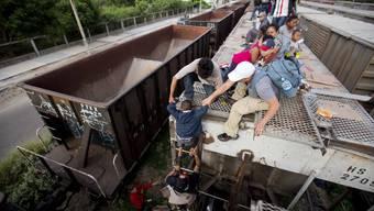 Kinder aus Mittelamerika versuchen auf eigene Faust in die USA zu gelangen.