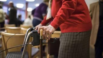 Der Kanton richtet von der effektiven Pflegestufe abgekoppelte Beiträge aus. (Symbolbild)