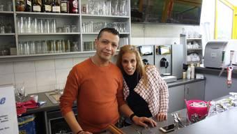 Sie kochen gutbürgerliche Schweizerkost: Seit dem Januar bewirten Faycal und Amina Ben Younes die Gäste im Clubhaus.