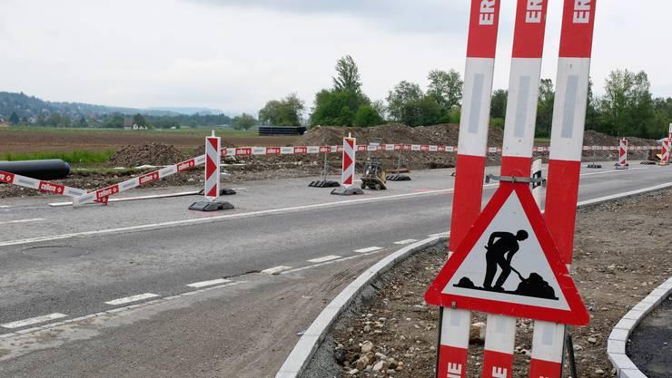 Der Abschnitt zwischen dem Kreisel Fahrweidstrasse in Geroldswil und dem neuen Kreisel Dorfstrasse in Oetwil wird gesperrt. (Symbolbild)