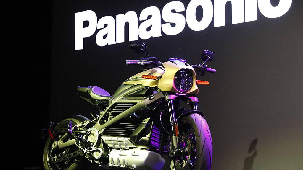 Harley Davidson hat an der Technik-Messe CES in Las Vegas gemeinsam mit dem japanischen Elektronik-Konzern Panasonic ein Elektro-Motorrad vorgestellt.