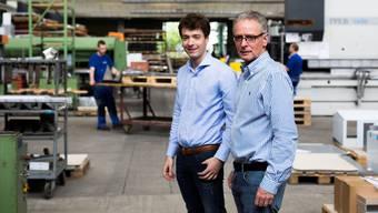 Adrian (l.) und Martin Martin Schoop in den Produktionsräumen der Schoop Gruppe. Mario Heller