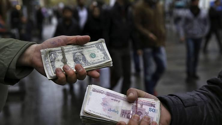 Migranten schicken 445 Milliarden Dollar nachhause (Symbolbild)