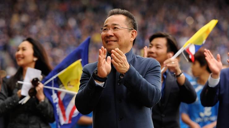 Der Besitzer von Leicester City, der Miliardär Vichai Srivaddhanaprabha, ist bei einem Helikopterabsturz am Stadion des englischen Fussball-Erstligisten tödlich verunglückt. Auch die anderen vier Insassen verunglückten tödlich.