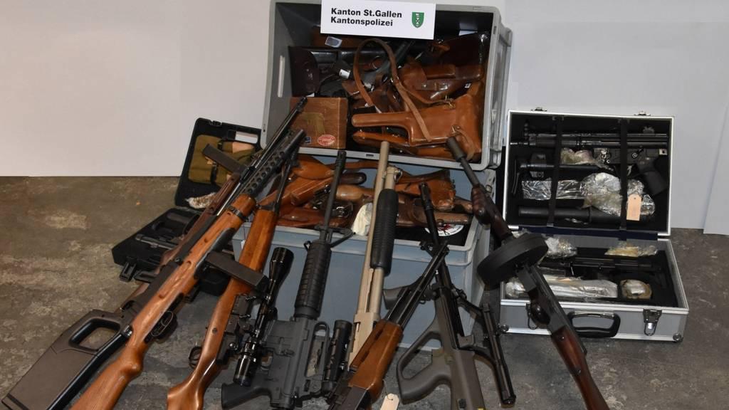 Illegal Waffen verkauft: Degersheimer vor Gericht