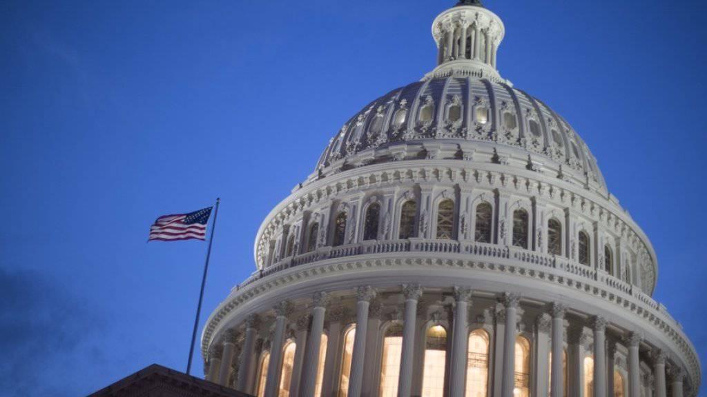 Das Kapitol in Washington - der US-Senat konnte sich am Donnerstag auf keinen Vorschlag für ein Ende des Haushaltsstreits einigen. (Archivbild)