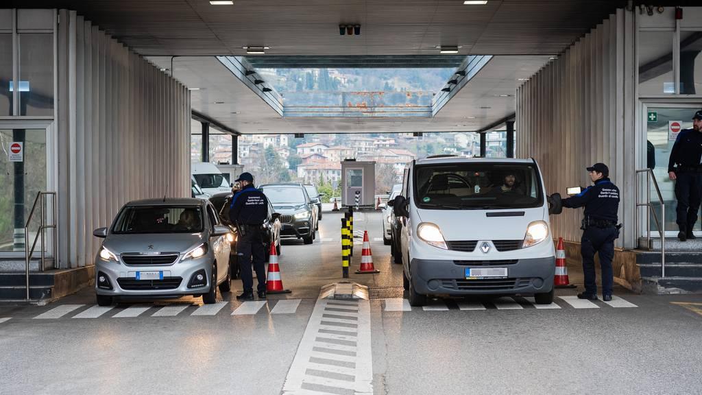 Italien öffnet Grenze – Schweizer Grenze bleibt geschlossen