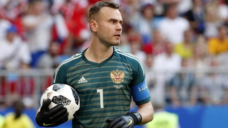 Bittere erste Halbzeit für Igor Akinfeev. 2:0-Rückstand für Russland nach der ersten Halbzeit.