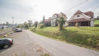 Das «Hüser»-Areal liegt beim Bahnhof westlich der Bahnlinie.