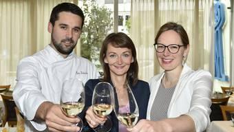 Magali und Peter Schneider sowie Manuela Schmid (r.).