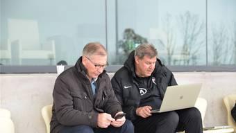 Schmid (links) und Geissberger im FCA-Trainingslager – haben sich gerade interessierte Nachfolger gemeldet?