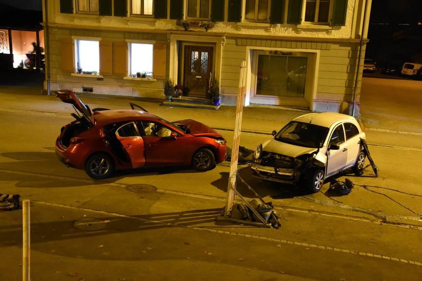 Unfall mit zwei Kleinwagen. ©Kapo SG