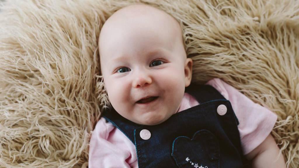 Kann das teuerste Medikament der Welt Baby Lea aus Sax wirklich retten?