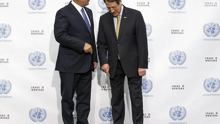 Die Gespräche zur Zukunft Zyperns sind gescheitert: Der türkische Aussenminister Mevlüt Cavusoglu und der griechisch-zyprische Präsident Nicos Anastasiades in Crans-Montana VS.