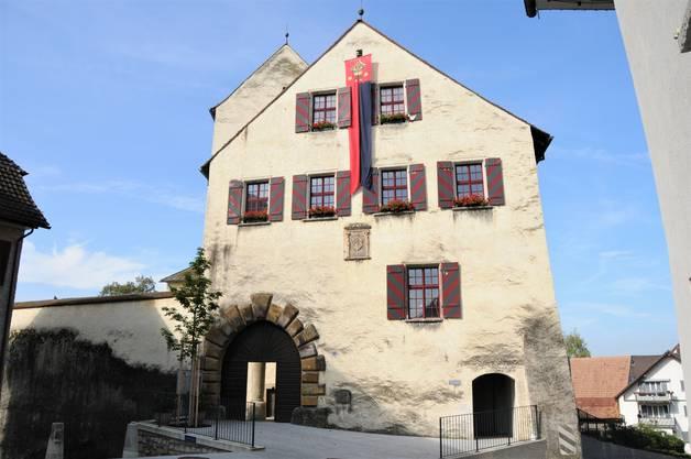 Schloss Klingnau: Hier wohnte einst der Gründer der Stadt Ulrich von Klingen. Klingnau wurde 1239 auf einem Schotterhügel gegründet.