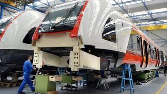 Produktionshalle der Stadler Rail Group in Bussnang TG (Archiv)