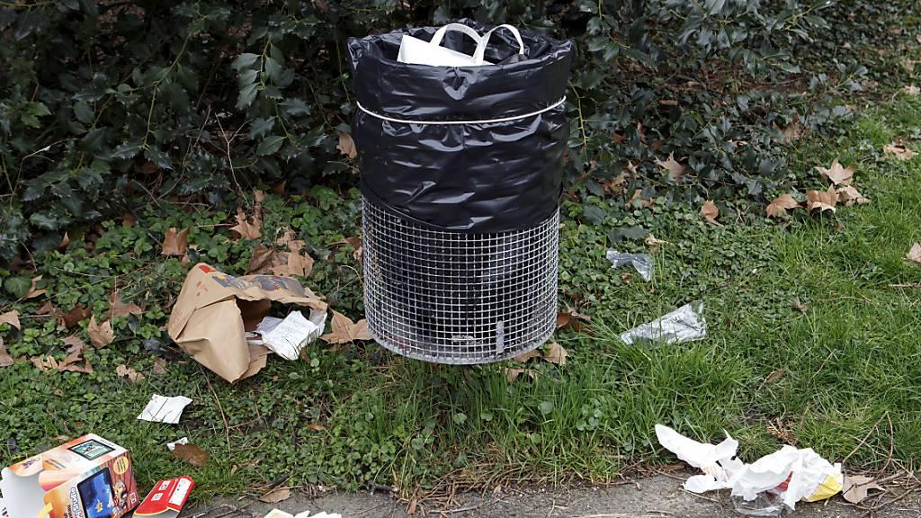 Schönes Wetter sorgt für mehr Abfall im Freien