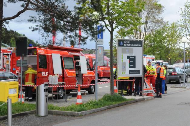 Anfangs war unklar, ob die Rettungskräfte bei einer möglichen Evakuation helfen müssen.