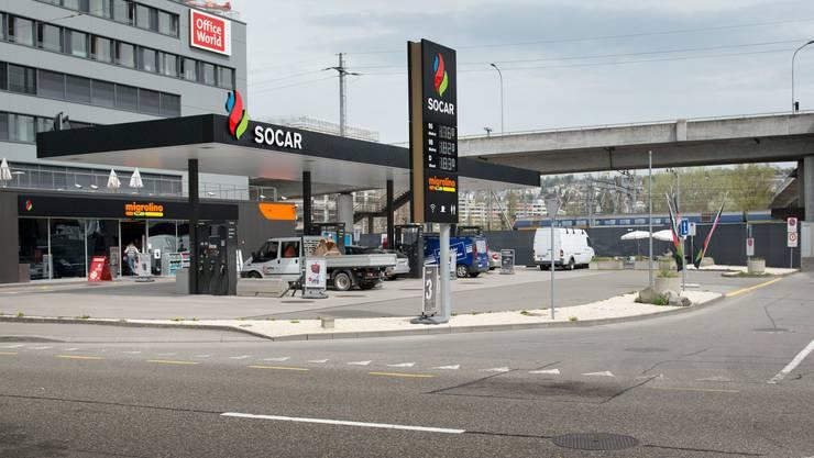 Socar-Tankstelle mit Migrolino-Shop: Die Migros steht wegen der Kooperation mit dem aserbaidschanischen Staatskonzern in der Kritik.