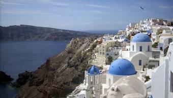 Griechenland-Ferien sind bei Schweizern hoch im Kurs. Auch die Insel Santorini zählt zu den beliebten Destinationen.