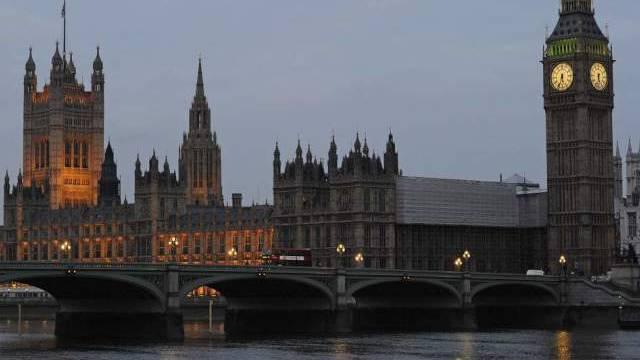 Hier tragt Grossbritanniens Parlament: Westminster-Palast.
